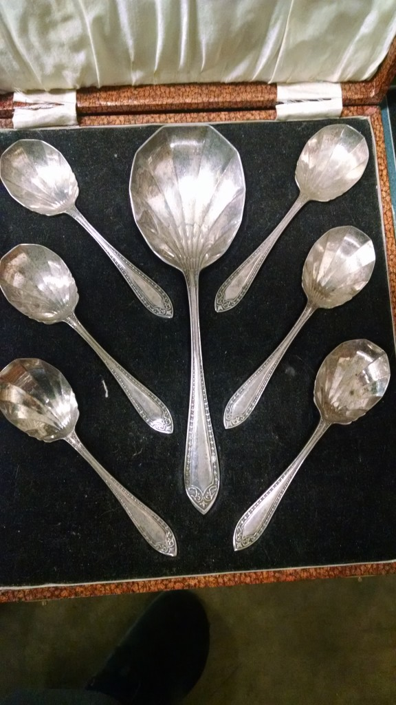 Silver_Plated_Spoon_Set[1]